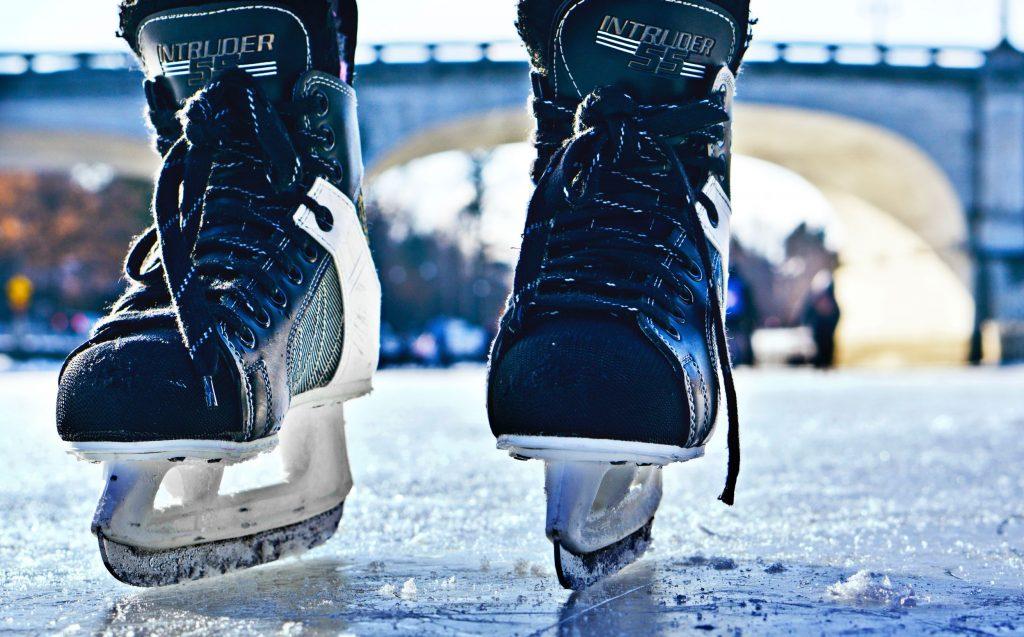 Hockey skating